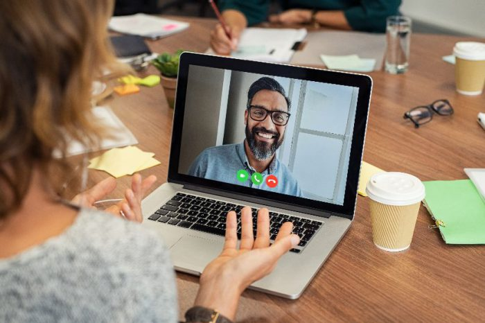 How to Choose a Video Conferencing Solution for Your Small Business
